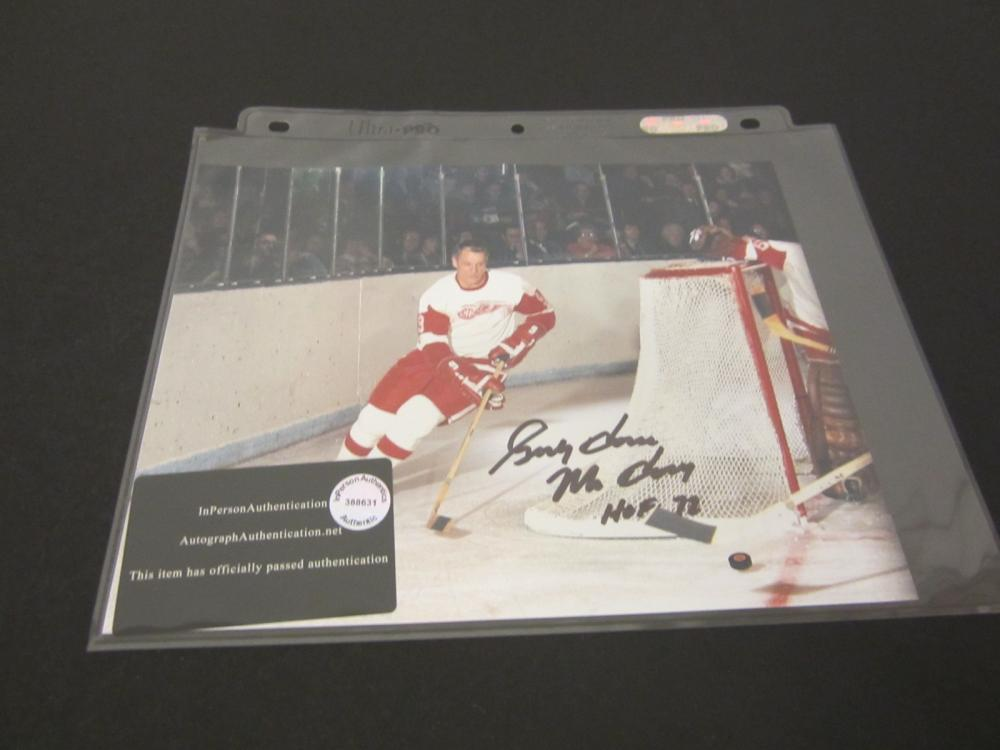 GORDIE HOWE SIGNED AUTOGRAPHED REDWINGS 8X10 COA