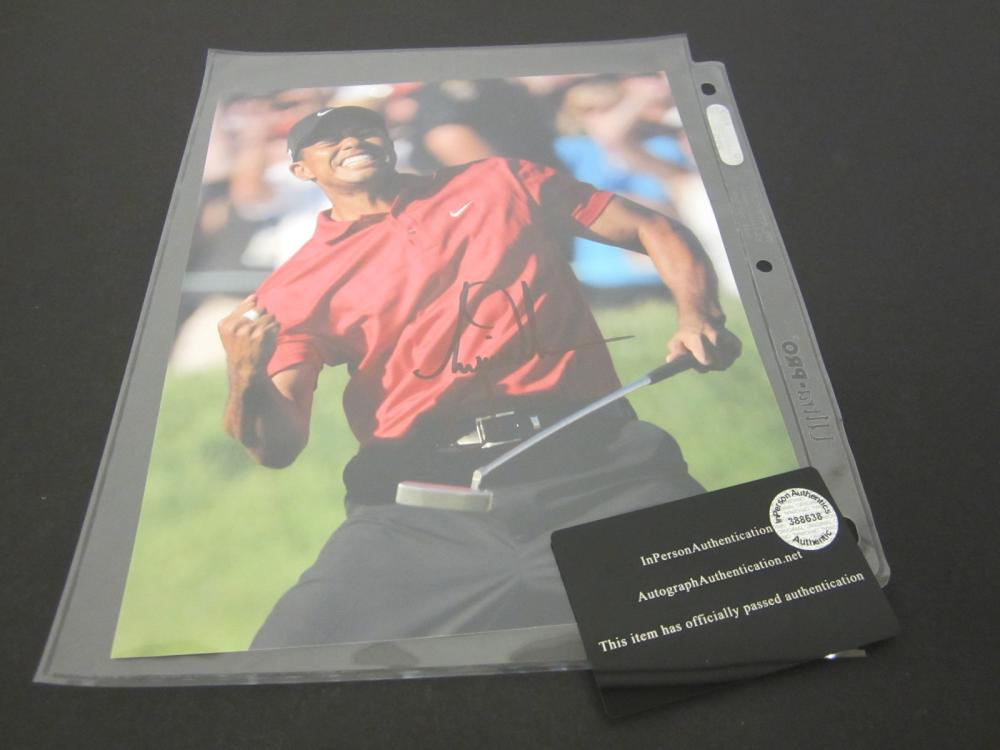 TIGER WOODS SIGNED AUTOGRAPHED GOLF 8X10 COA