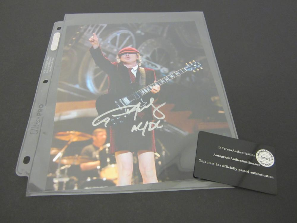 ANGUS YOUNG SIGNED AUTOGRAPHED AC/DC 8X10 COA
