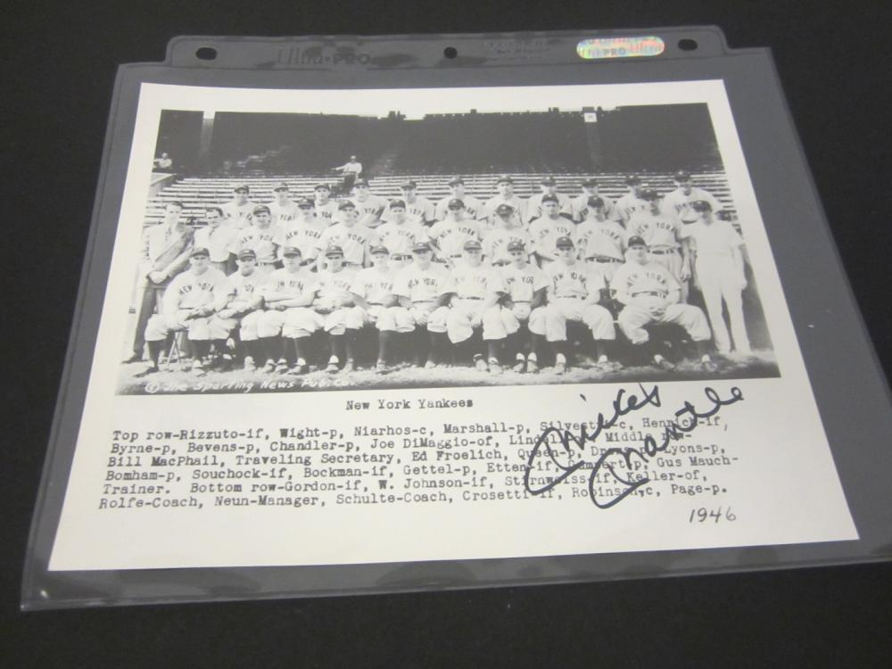 MICKEY MANTLE SIGNED AUTOGRAPHED YANKEES 8X10 COA
