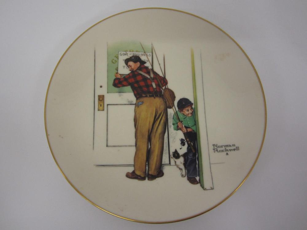 "NORMAN ROCKWELL VINTAGE GLASS PLATE ""SPRING CLOSED FOR BUSINESS"""