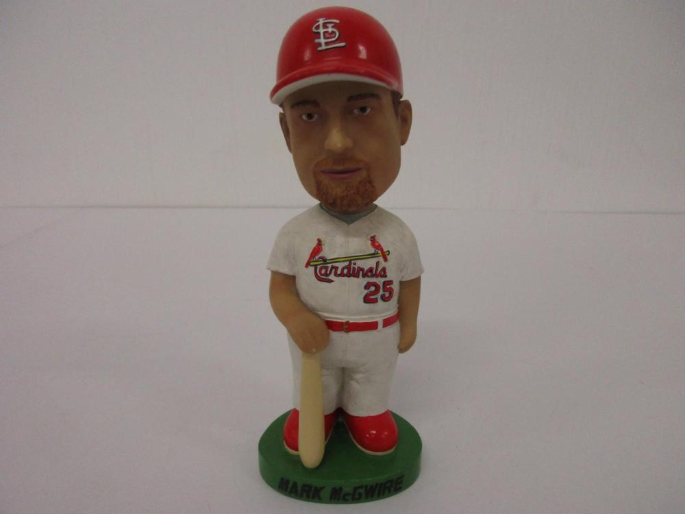 MARK MCGWIRE 2001 CARDINALS COLLECTIBLE BOBBLEHEAD