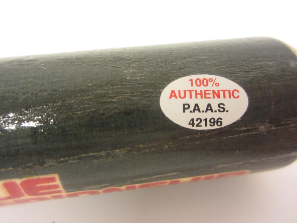 Lot 17: JIM THOME SIGNED AUTOGRAPHED WHITESOX MINI BAT PAAS COA