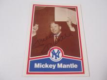 Lot 29: MICKEY MANTLE SIGNED AUTOGRAPHED YANKEES CARD COA