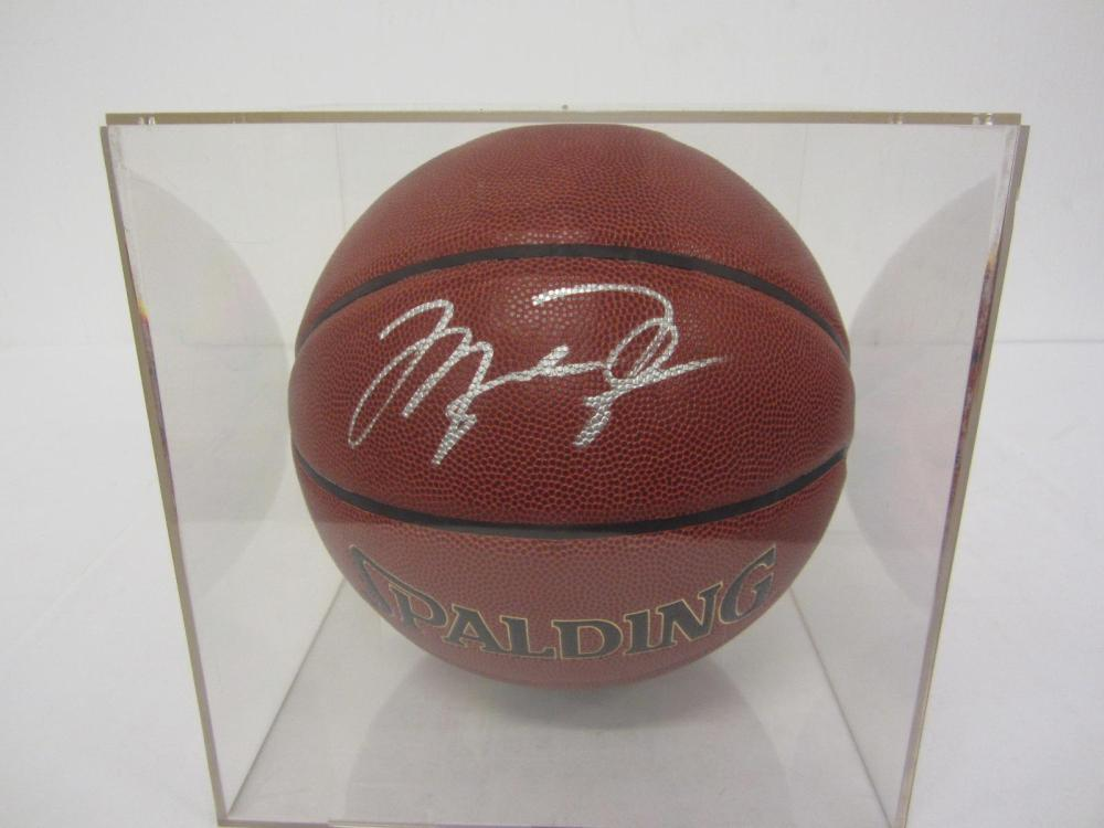 MICHAEL JORDAN SIGNED AUTOGRAPHED BASKETBALL W/CASE COA