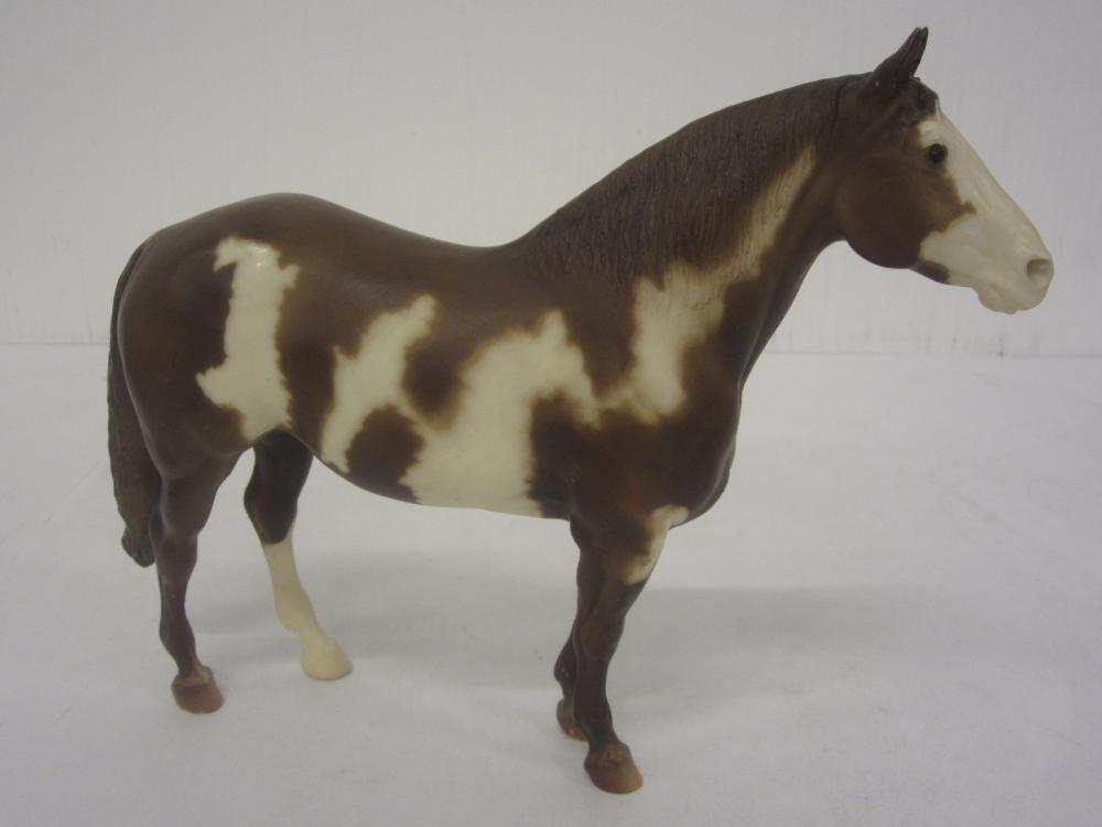 BREYER MOLDING CO. HORSE FIGURE