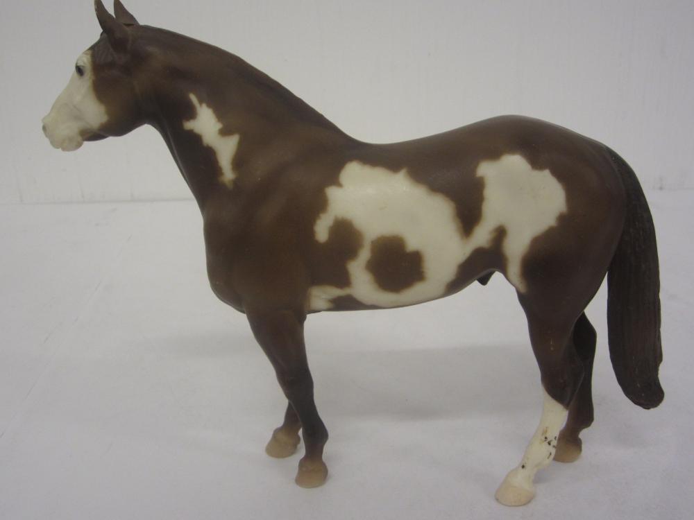 Lot 103: BREYER MOLDING CO. HORSE FIGURE