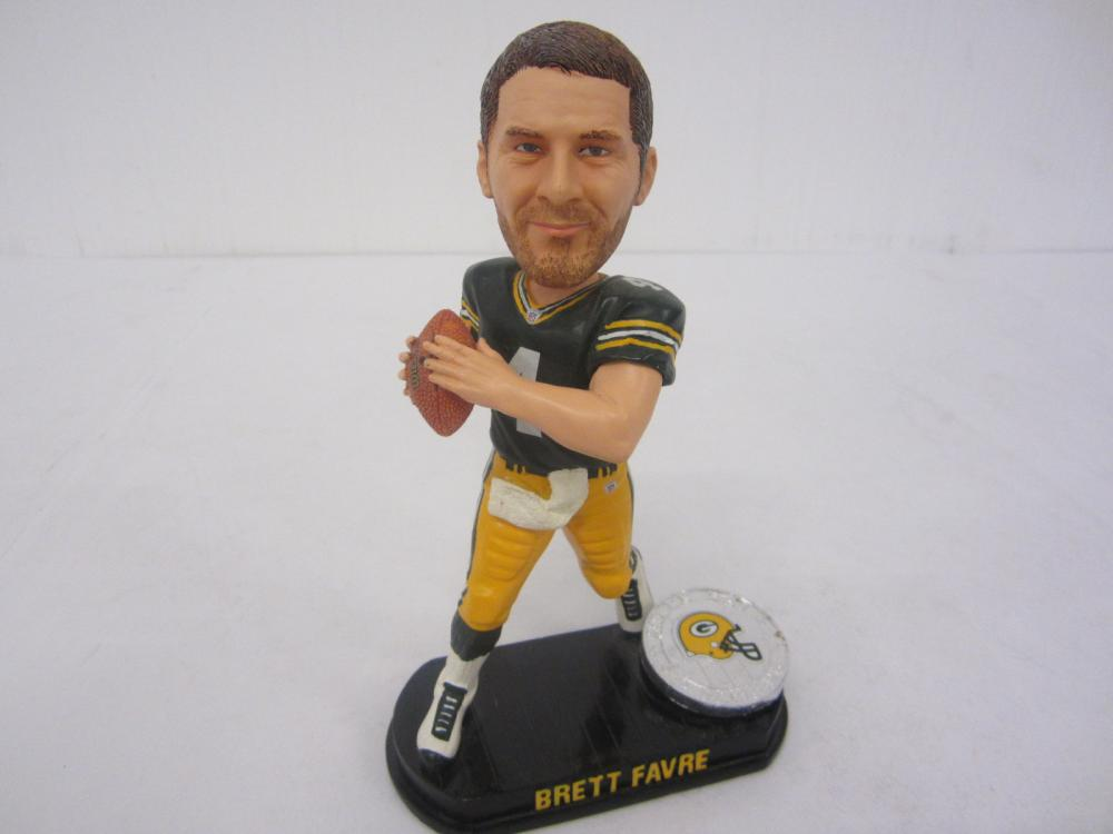 "BRETT FAVRE FOREVER GREENBAY PACKERS LEGENDS ""THE FIELD"" 254/2006"