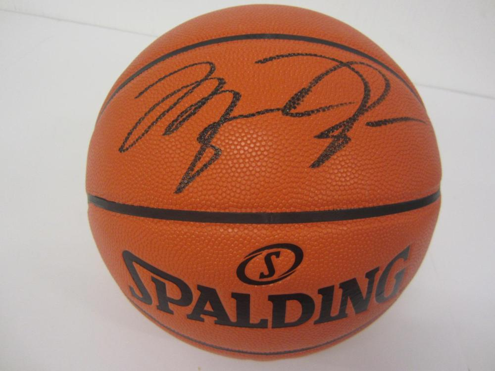 MICHAEL JORDAN SIGNED AUTOGRAPHED NBA BASKETBALL COA