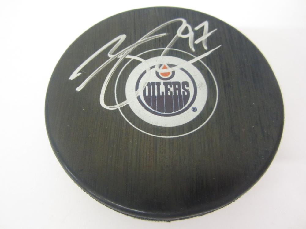 CONNOR MCDAVID SIGNED AUTOGRAPHED OILERS HOCKEY PUCK COA
