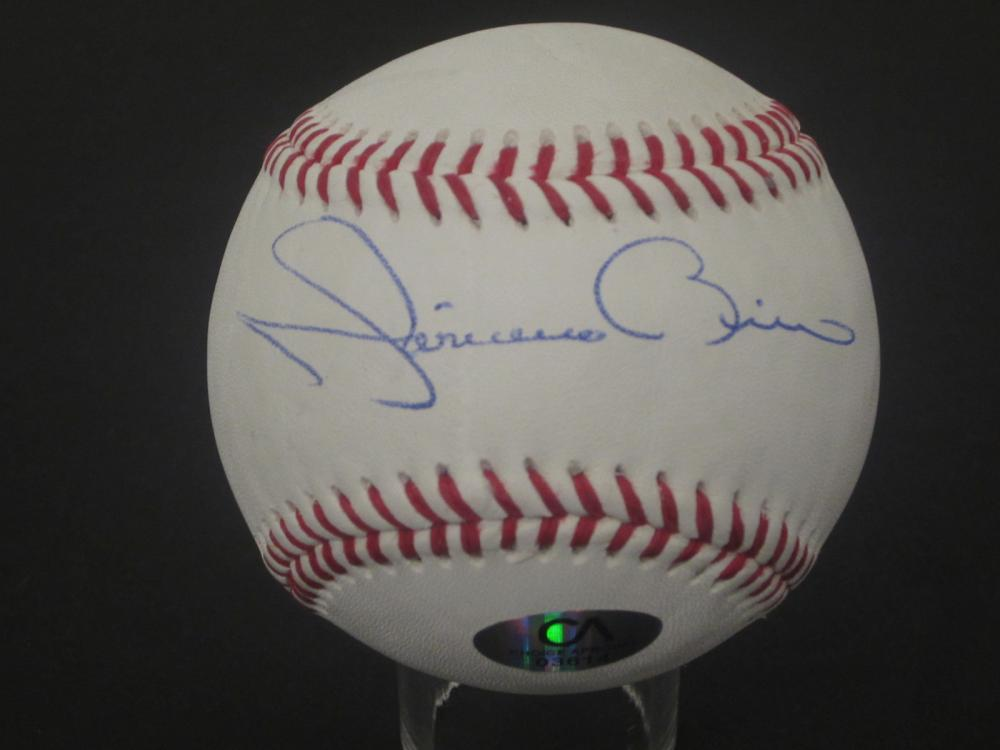 Lot 180: MARIANO RIVERA SIGNED AUTOGRAPHED BASEBALL COA
