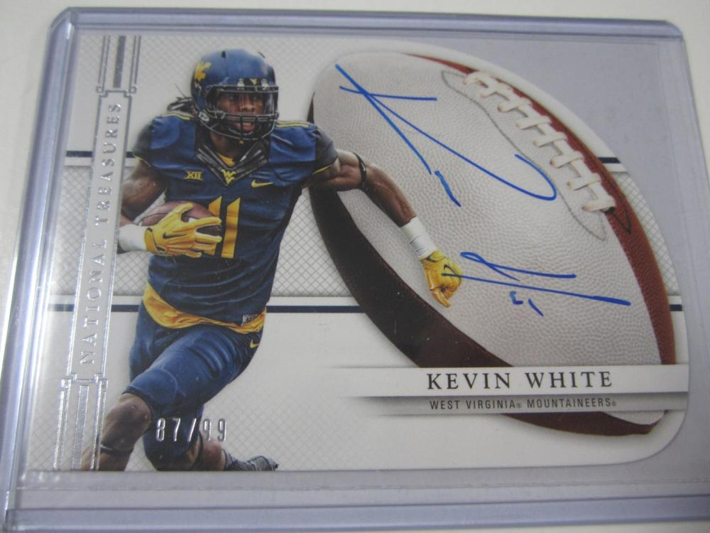 Lot 192: 2015 PANINI FOOTBALL KEVIN WHITE SIGNED AUTOGRAPHED BEARS CARD 87/99