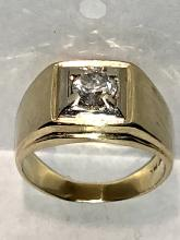 14K gold 0.75 CT round SI2, H color diamond men's ring.