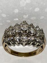 EXCEPTIONAL 14K GOLD 2.75 TCW SI1-SI2, H COLOR DIAMONDS COCKTAIL RING.