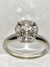 ELEGANT 14K GOLD 1.05 TCW VS2-SI1, G-H COLOR DIAMONDS SOLITAIRE ENGAGEMENT RING.