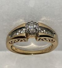 14K GOLD 0.35 TCW SI2, I COLOR DIAMONDS ENGAGEMENT RING.