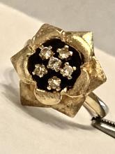 ANTIQUE 14K GOLD 0.18 TCW VS1, H COLOR DIAMONDS COCKTAIL ROSE SHAPED RING.