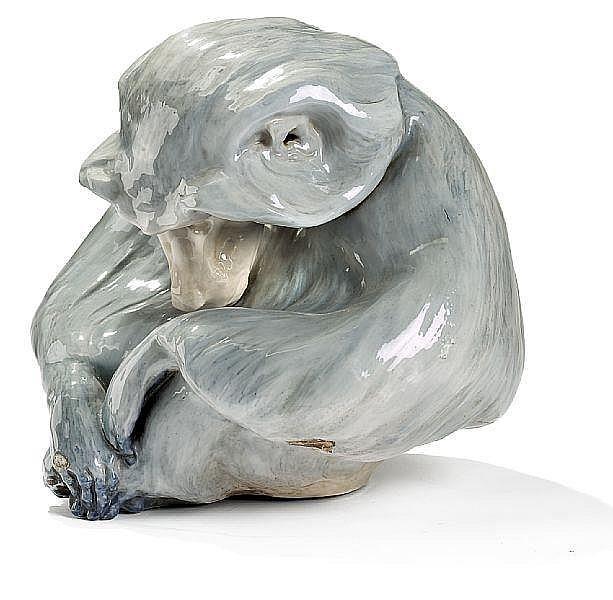 Knud Kyhn: Baboon. A porcelain figure. H. 45 cm.
