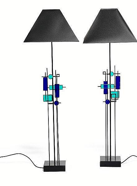 Svend Aage Holm Sørensen: A pair of standard lamps with iron frames decorated with glass squares in turquoise and blue. (2)