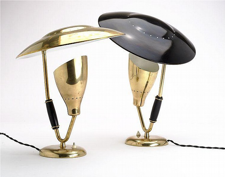Svend Aage Holm Sørensen: Two table lamps of brass and black painted metal. H. circa 45 cm. Diam. 37 cm. (2)