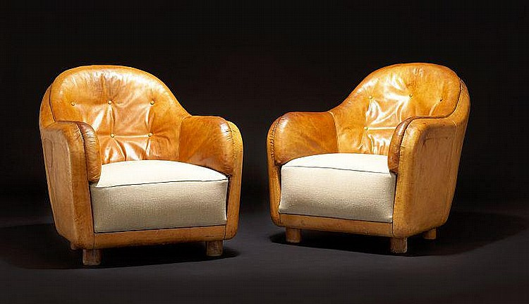 Arne Jacobsen: A pair of unique easy chairs. Sides and back upholstered with original, patinated natural leather. (2)