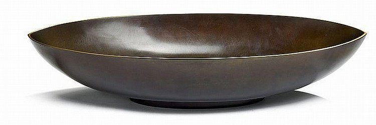 Just Andersen: Oval-shaped patinated bronze bowl. Stamped monogram Just A., B135, Denmark. H. 9,5 cm. W. 24,5 cm. L. 48 cm.