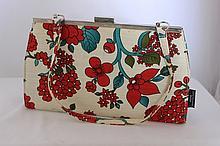 A Catherine Mannual Design Bag w 24 cm , modelled
