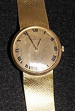 A Universal Genève Yellow Gold Gents Watch