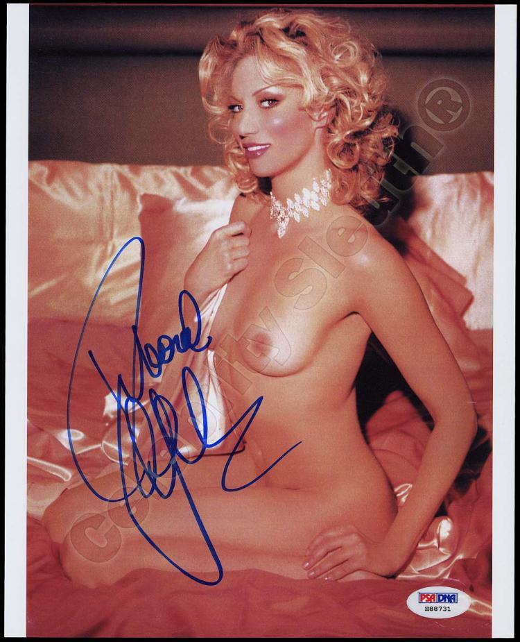 Gibson nackt Deborah  Nude Debbie