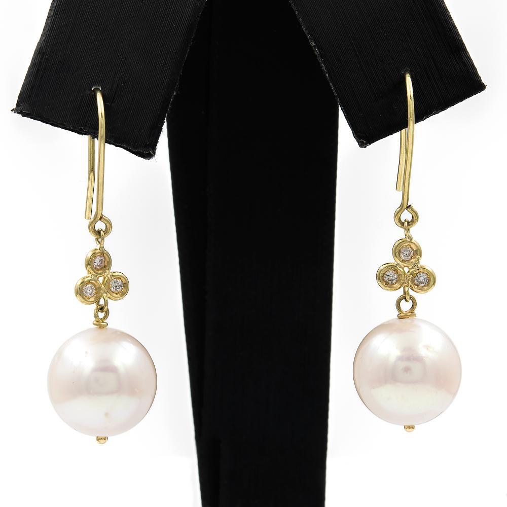af09cb73ba69 Pendientes de oro amarillo largos y pareja de perlas cultivadas fresh water de  agua dulce de