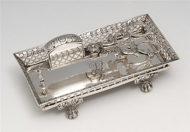 ROMANTIC TRAY AND SNUFFER