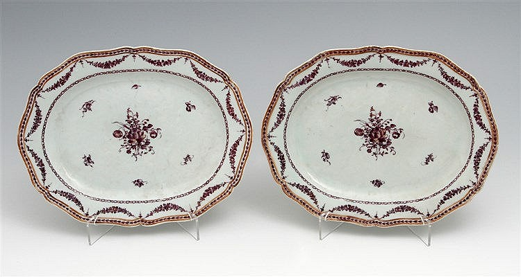 PAIR OF EIGHT-SIDED OVAL LONG PLATES