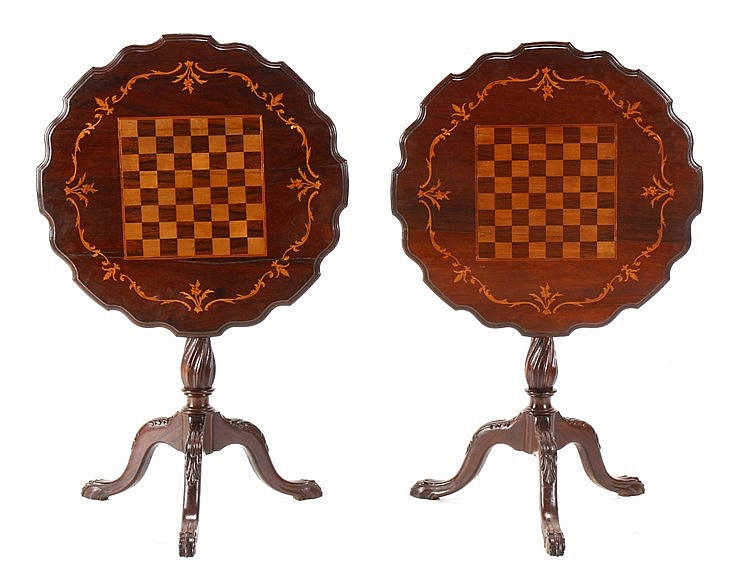 PAIR OF D. JOSÉ STYLE TRIPOD TABLES