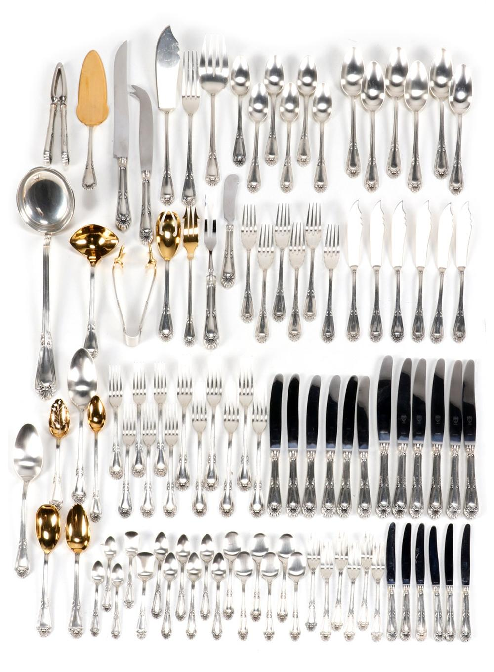 A CUTLERY SET FOR SIX PEOPLE