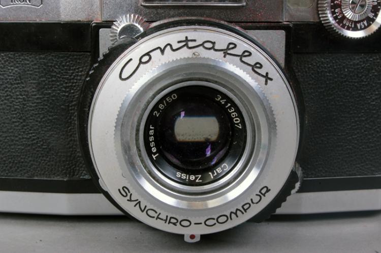 Zeiss Contaflex Super Camera 35mm SLR (Germany) w/ light