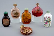 A set of 6 various Chinese glass and porcelain snuff bottles, 19/20th C.