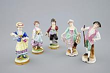 A set of 5 porcelain figures French or German 19/20th C., H.: 14 cm