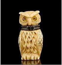 Chinese Carved Snuff Box Owl