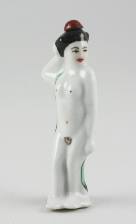 Porcelain Standing Nude Geisha Snuff Bottle