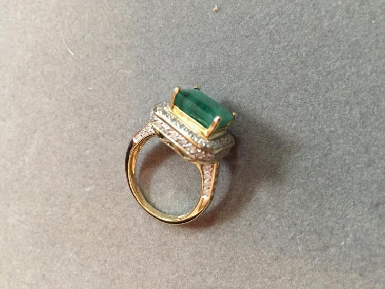 5.25ctw Emerald & Diamond 14kt Gold Ring