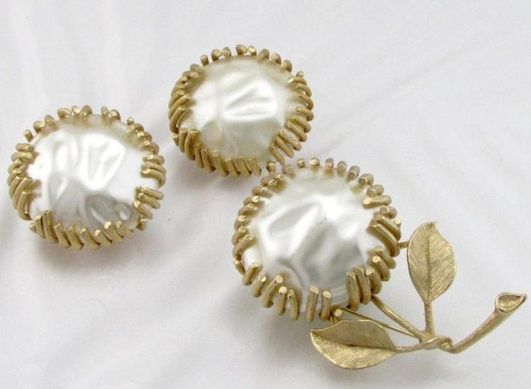 Vintage baroque pearl brooch earring set for Jewelry stores bluffton sc