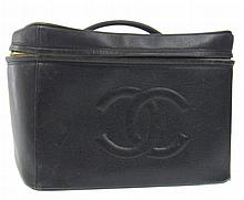 Vintage CHANEL Leather Cosmetic Hang Bag