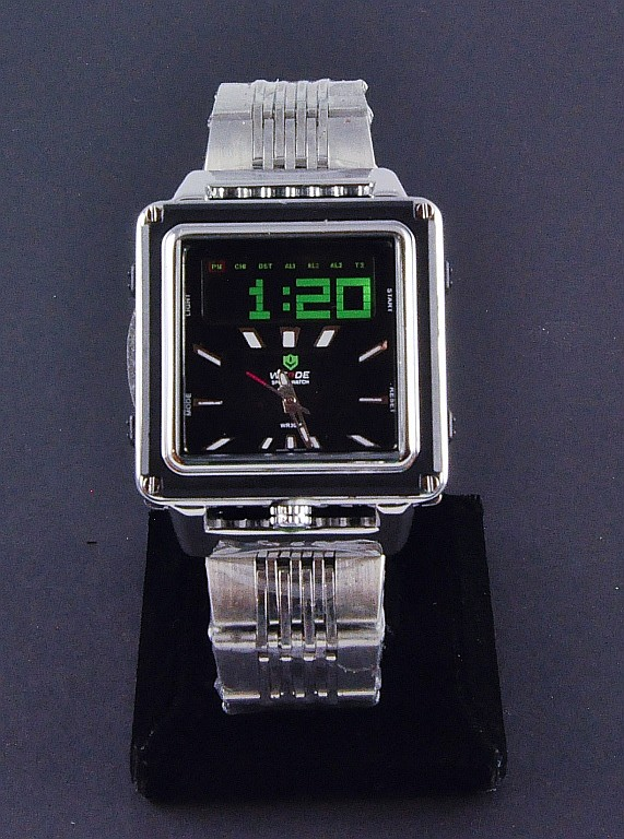 Men's Wrist Watch With Alarm
