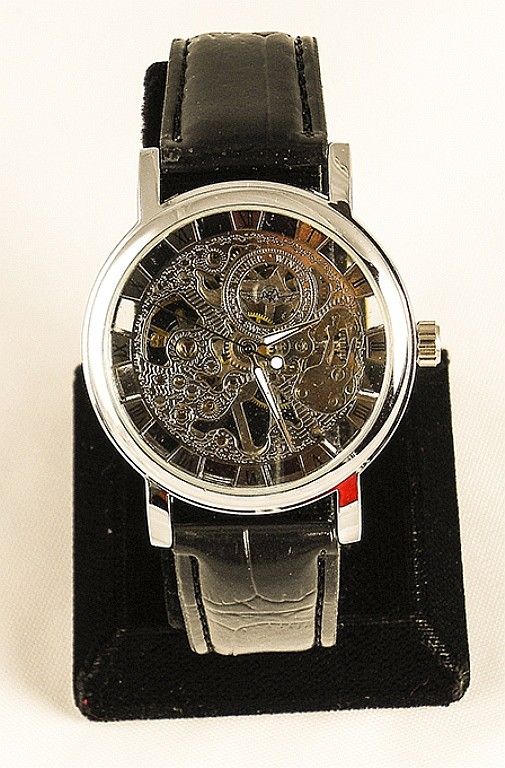 Men's Fashion Skeleton Mechanical Watch