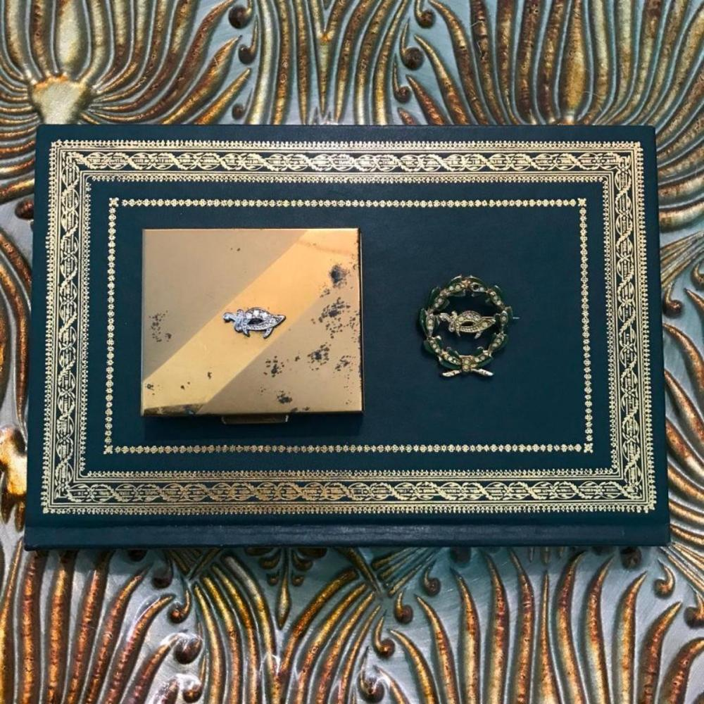 Vintage Mid Century Masonic Shriner Pin & Presentation Box