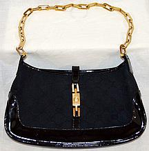 GORGEOUS BLACK LEATHER GUCCI BAG
