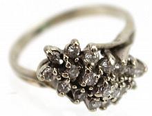LADIES 14K WHITE GOLD DIAMOND COCKTAIL RING