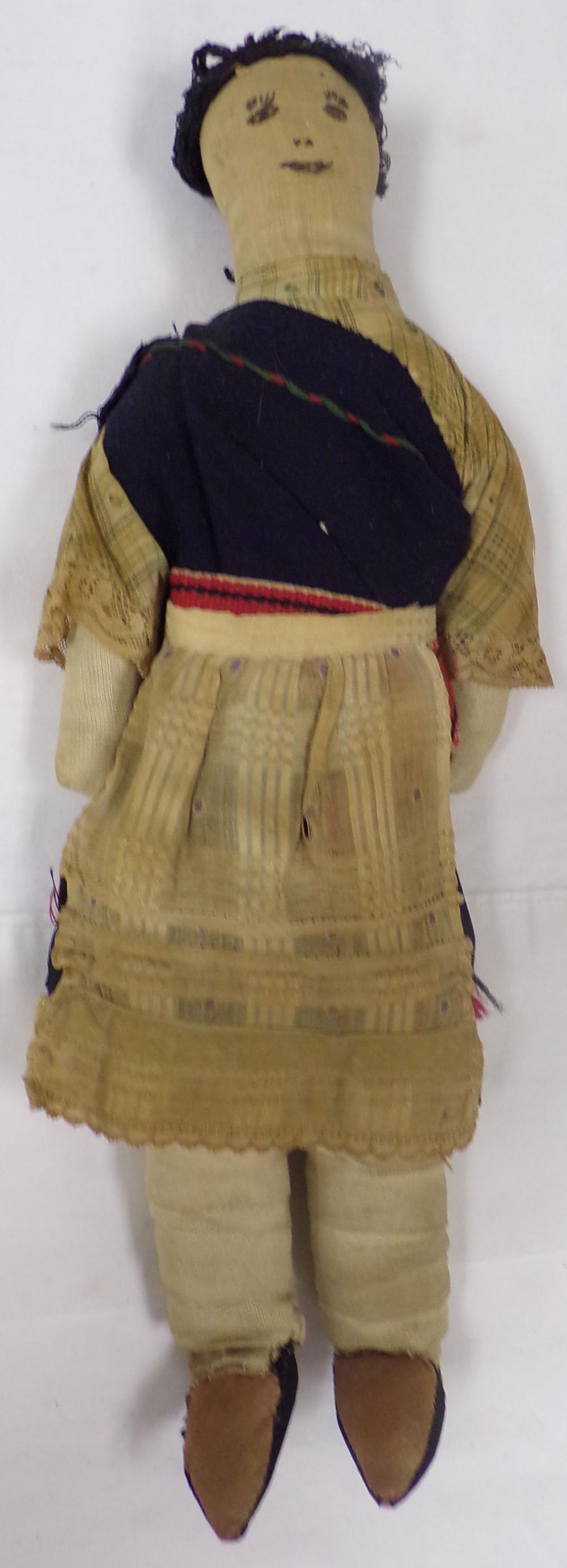 Vintage Cloth doll in Native garb, possibly Central American origin, approx. 14 ½'' T