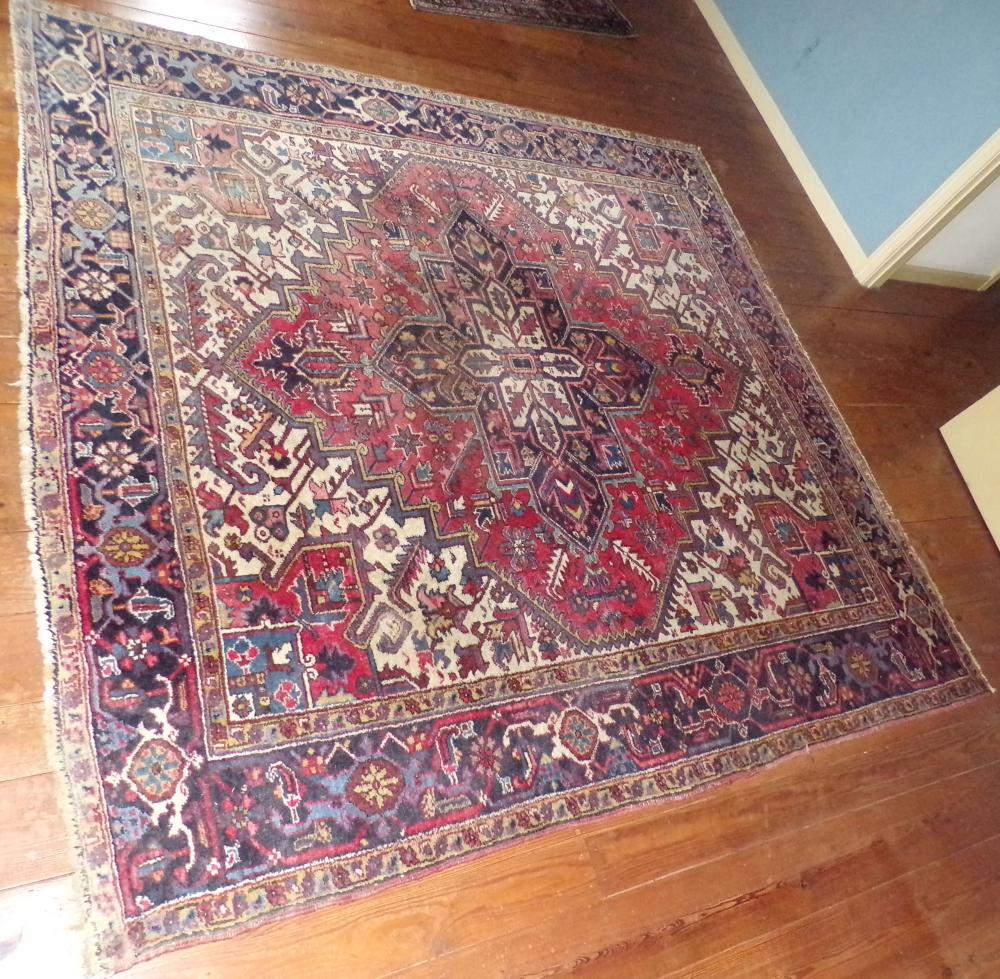 "Heriz rug room size carpet, 8'6"" x 8'5"""