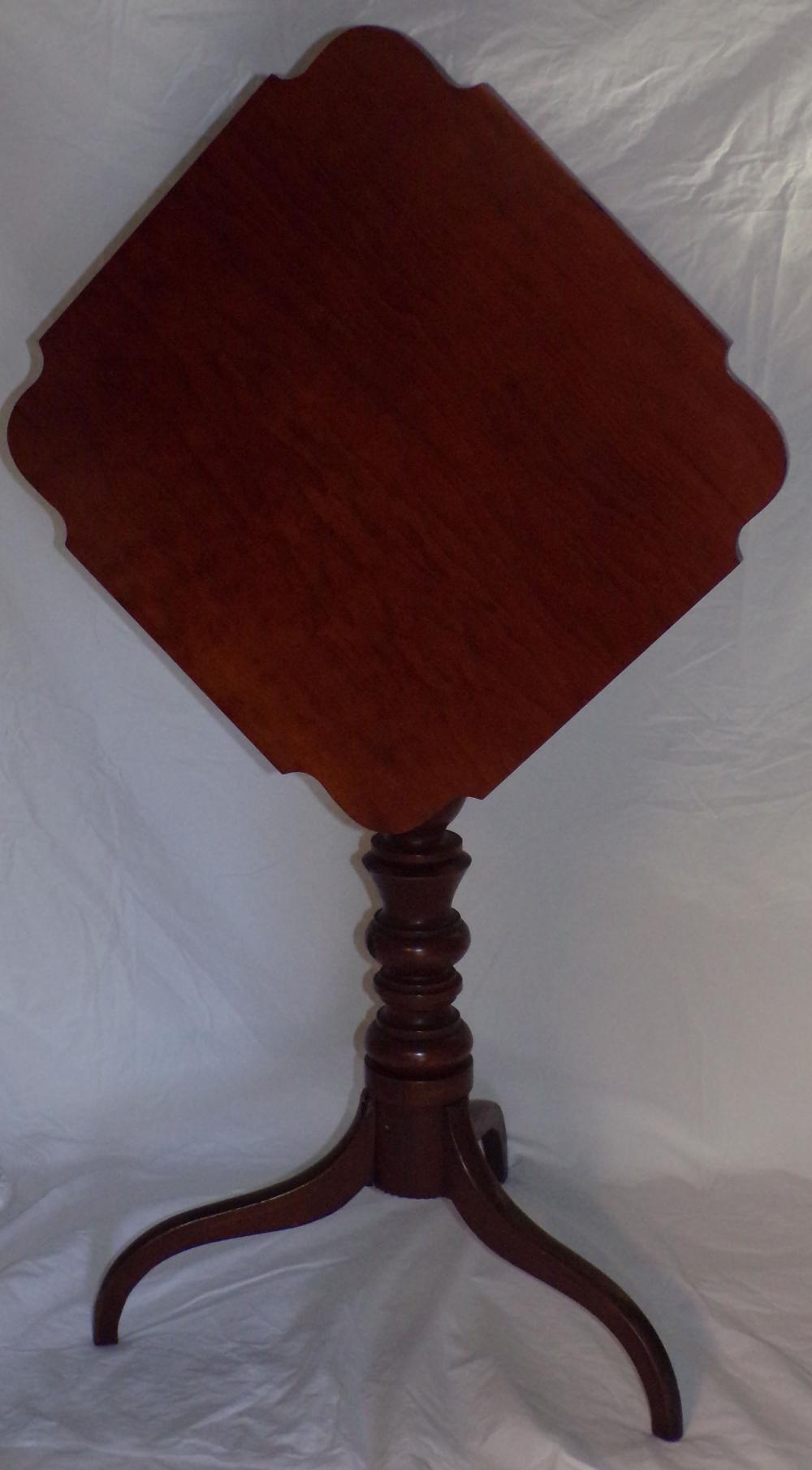 19th century Hepplewhite cherry tilt top candle stand